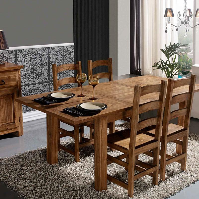 Conjunto de mesa de comedor y 4 sillas de estilo mejicano. El Tavolino