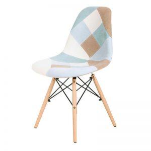 Silla estilo nórdico tapizada pachwork azules. Muebles El Tavolino