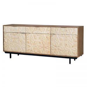 Aparador de estilo vintage. Madera maciza y puertas talladas. Muebles El Tavolino